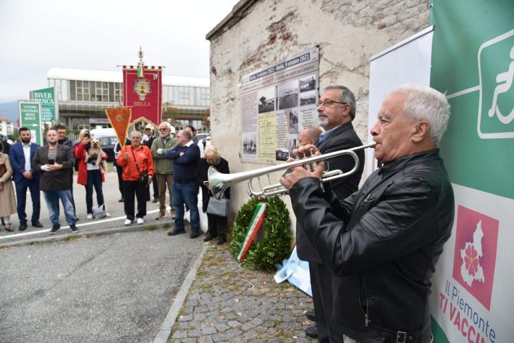 La cerimonia ufficiale lungo la via Carso