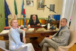 Il sindaco Corradino in riunione con i consiglieri Gallello e Topazzo